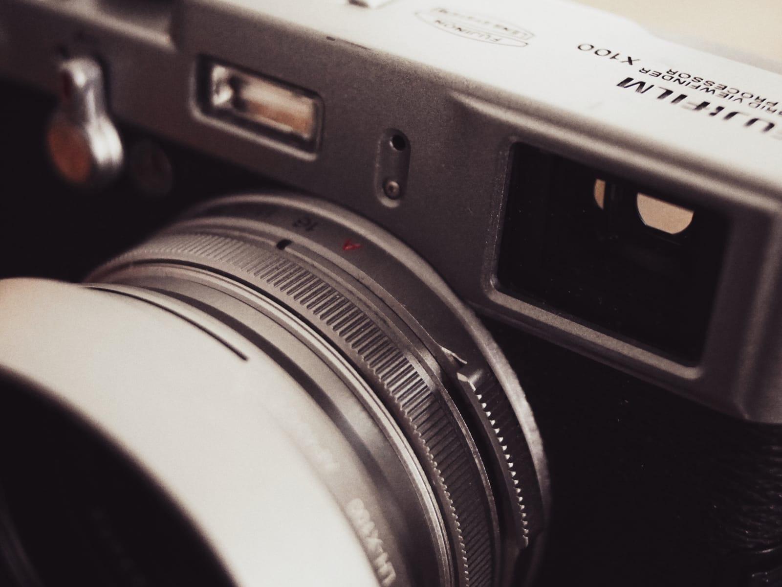 Närbild av en Fujifilm X100